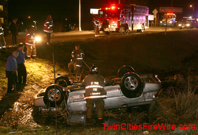 St. Paul firefighters, Car into water, Intertstate 280, St. Paul Fire Squad 2, Water rescue